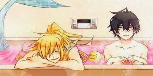 Aqui um sereio todo feliz no seu banho rosa!!!